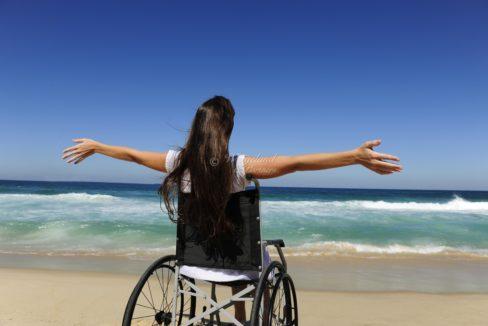 rullestol på stranden