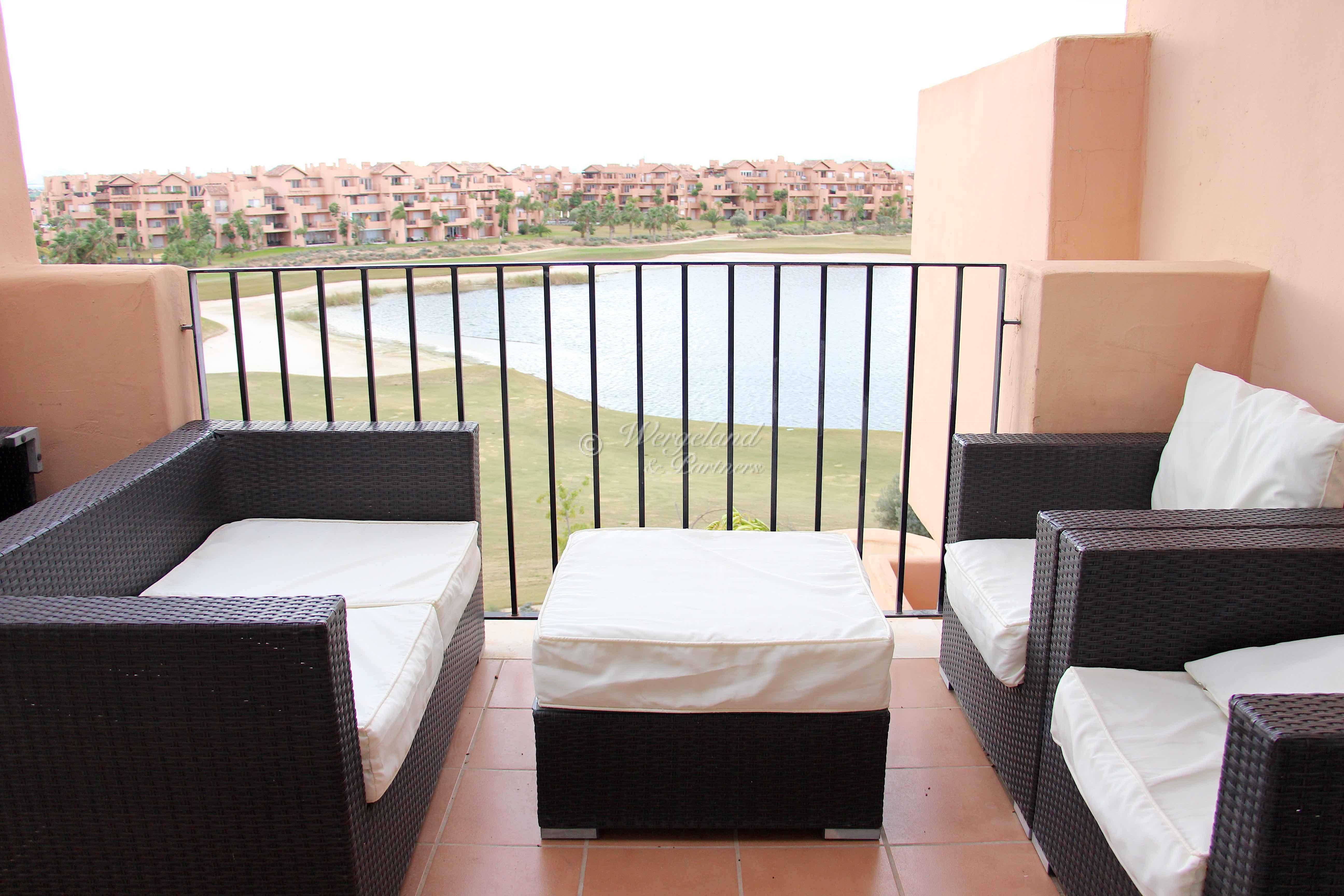 3-roms møblert sydvendt Penthouse 1.line golf med nydelig utsikt over innsjøen og golfbanen [7631]