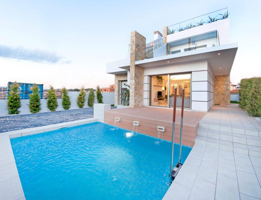 Agata villa basseng