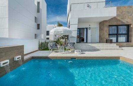 Enda enklere å finne din drømmebolig - søk på det mest populære nå: Innflyttingsklart og privat basseng