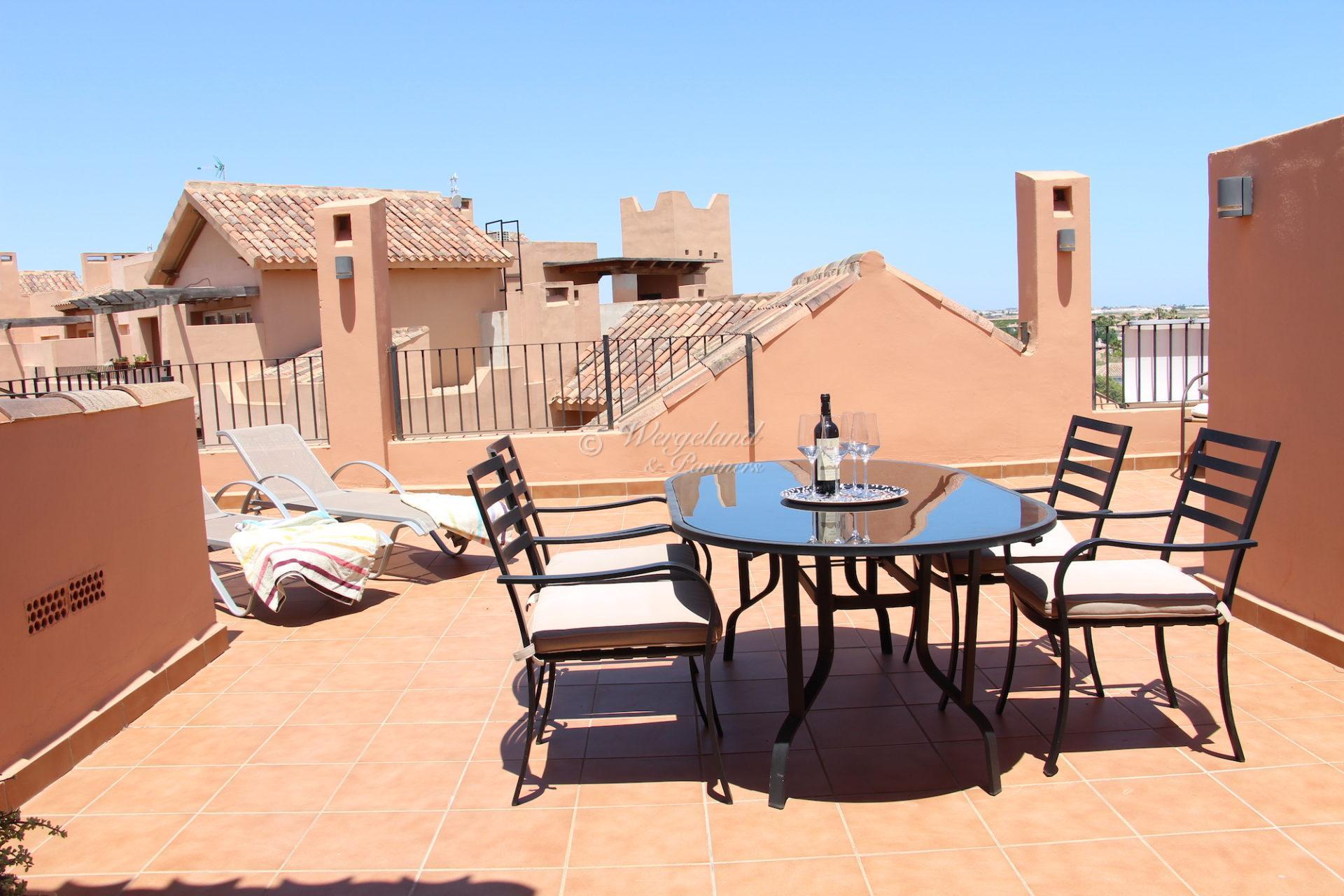 Penthouse ved rangen. 72 m2 terrasser med sol fra morgen til kveld. Møblert [14031]