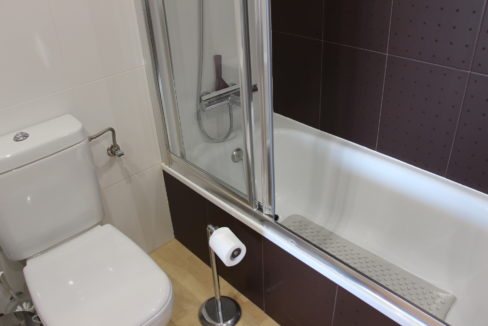 Hovedbadbadekar Og Toalett